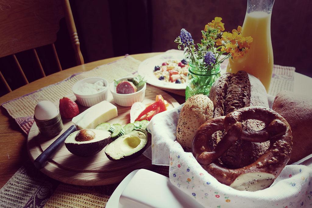nest-bnb_breakfast